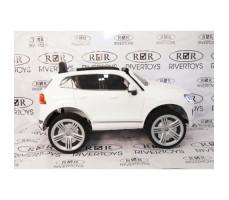 Фото электромобиля River Toys Volkswagen Touareg White вид сбоку