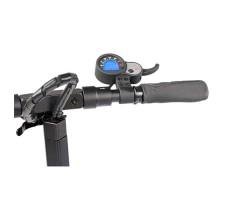 Фото правой ручки руля электросамоката Kaabo Skywalker-10L 500W 48V/13Ah с сиденьем