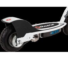 фото заднее колесо Электросамокат Razor E300 White-Blue
