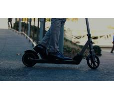 Фото колеса и рамы электросамоката для взрослых Razor E Prime