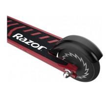 фото заднего колеса складного детского электросамоката Razor Power A2 Red