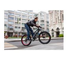 фото велогибрида Benelli FAT Nerone на ходу