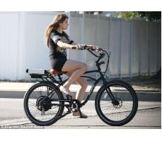 Фото электровелосипеда Pedego Comfort Cruiser Black в движении