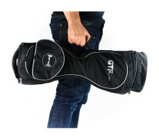 """Фото сумки-рюкзака для гироскутера 8"""" GTF в руках"""