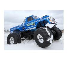фото радиоуправляемой машины Traxxas BigFoot No. 1 1/10 2WD в движении по снегу