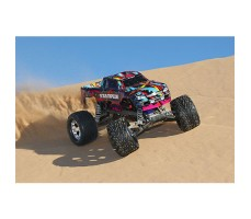 фото RC машины Traxxas Stampede Courtney Force Edition 1/10 2WD в движении