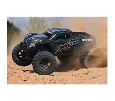 фото радиоуправляемой машины Traxxas X-Maxx 1/5 4WD 8S TSM Blue в движении