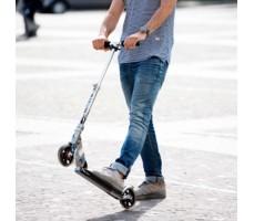 фото самоката Micro Speed+ на улице