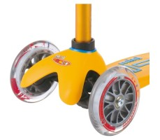 фото передние колеса Детский самокат MINI MICRO DELUXE Apricot