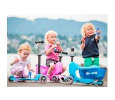 фото детей на детском самокате MINI MICRO MINI2GO DELUXE Pink