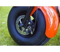 Электробайк SEEV CityCoco Orange вид на переднее колесо с дисковым тормозом